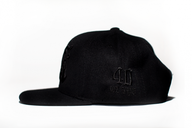 40-oz-NY-x-Rhude-BlackBlack-BlackWhite-Snapbacks-02-630x420