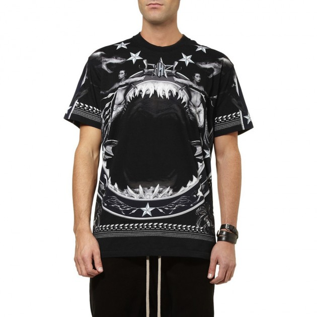 Givenchy-Oversized-Shark-Print-Cotton-Jersey-T-Shirt-02-630x630