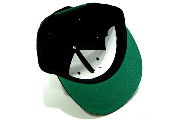 black-scale-legalize-it-snapback-cap-03