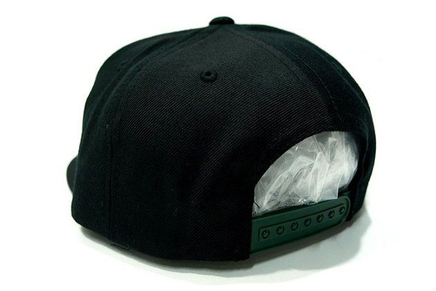 black-scale-legalize-it-snapback-cap-04