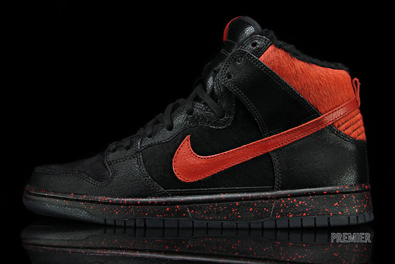 nike-sb-dunk-high-krampus-1