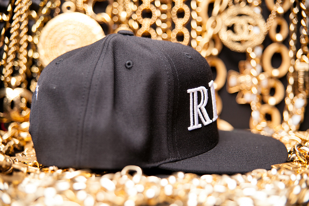w_40oz-Rich-Hat-Gold-04_RightSide