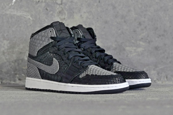 "Air-Jordan-1-""Shadow-Python""-by-JBF-Customs-1"
