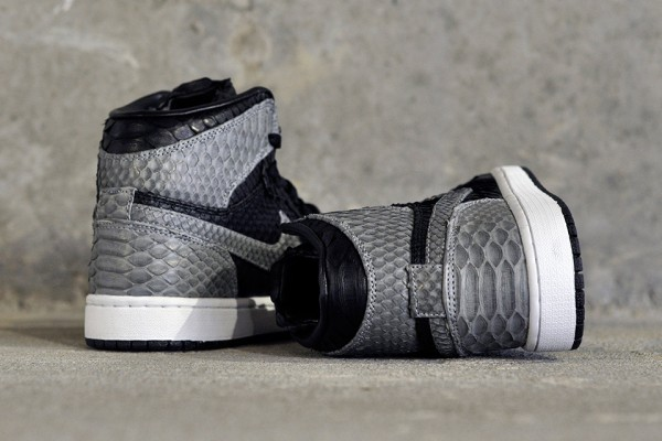 "Air-Jordan-1-""Shadow-Python""-by-JBF-Customs-2"