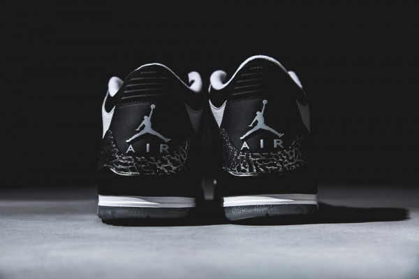 air-jordan-3-retro-wolf-grey-3-960x640