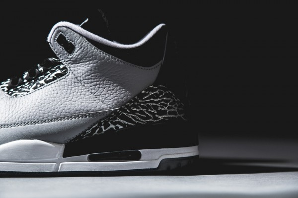 air-jordan-3-retro-wolf-grey-4-960x640