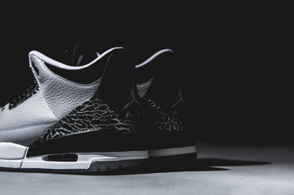 air-jordan-3-retro-wolf-grey-5-960x640