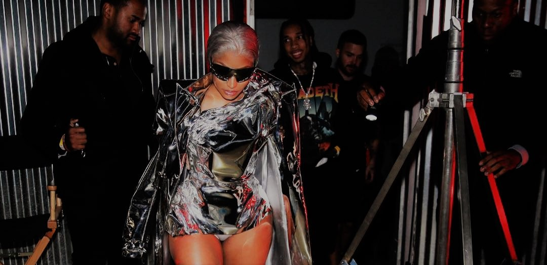 Nicki Minaj - Barbie Drip (Drake & Cardi B Diss)